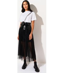 akira in the middle tulle maxi skirt