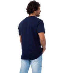 camiseta masculina com aplicaã§ã£o azul - azul - masculino - dafiti