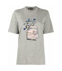 markus lupfer camiseta com estampa e aplicação de paetês - cinza