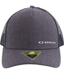 gorra gris oscuro oakley chalten cap