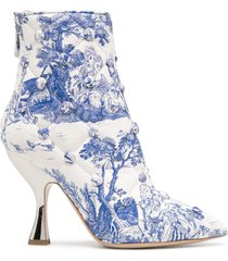 moschino quilted anime antoinette printed booties - white