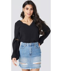 luisa lion x na-kd ripped denim skirt - blue
