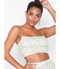 nly one print crop top linnen gul