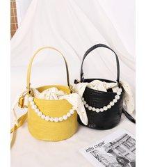 bolso bandolera con diseño de anudado de cadena de perlas sintéticas en relieve de cocodrilo