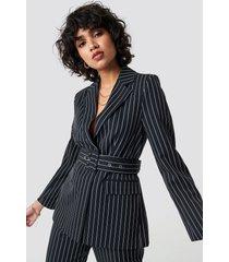 na-kd classic pinstriped belted blazer - black