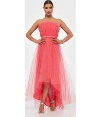 dolly & delicious high low mesh dress maxiklänningar