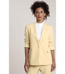 blazer feminino com bolsos amarelo