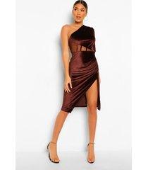 fluwelen midi jurk met mesh insert en eén blote schouder, chocolate