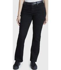 jeans recto con cinturon negro curvi