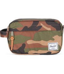 herschel supply co. chapter carry-on dopp kit, size no size - woodland camo