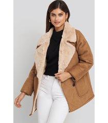 na-kd trend faux suede fur bonded jacket - brown,beige