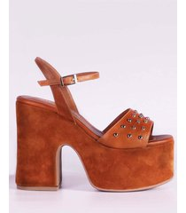 sandalia de cuero marrón micheluzzi