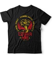camiseta cobra kai preto - preto - algodã£o - dafiti
