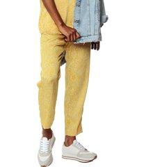 pantalón amarillo mng