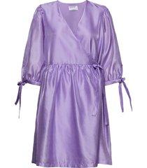 enola wrap dress knälång klänning lila designers, remix