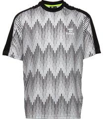 hmlblaze t-shirt s/s t-shirts short-sleeved multi/mönstrad hummel