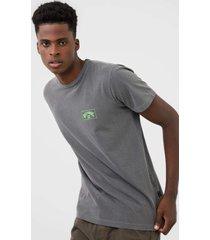 camiseta billabong arch cinza - cinza - masculino - dafiti
