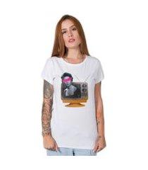 camiseta  woman tv branco