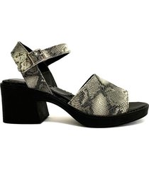 sandalia gris camila merco