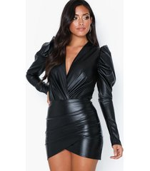 nly one leather look wrapped skirt minikjolar