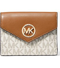 mk portafoglio a tre ante carmen medio in pelle con logo - vaniglia/ghianda (naturale) - michael kors