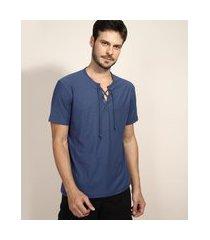 camiseta masculina com amarração manga curta gola v azul marinho