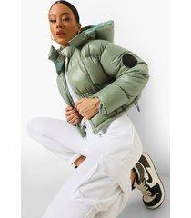 monochrome gewatteerde jas met contrasterende stiksels, sage