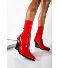 akira azalea wang payday cash out chunky heel bootie in red crocc