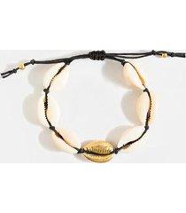 lila cowrie shell pull tie bracelet - black