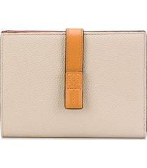 loewe medium vertical grained-leather wallet - neutrals