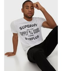superdry surplus goods classic graphic tee t-shirts & linnen white