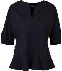 bluzka z falbanką w kolorze czarnym