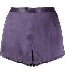 la perla elasticated waist silk pyjama shorts - purple