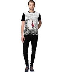 camiseta stompy baskett masculino