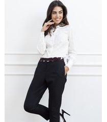 spodnie z geometrycznym wzorem