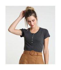 camiseta feminina básica com botões manga curta decote redondo cinza mescla escuro
