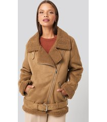 na-kd trend fake suede bonded aviator jacket - brown