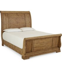 trisha yearwood homecoming queen sleigh bed