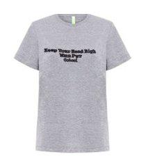 camiseta estampa escrita - cinza