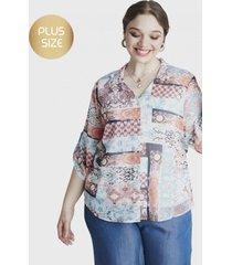 blusa con aplicación en bolsillo azul curvi