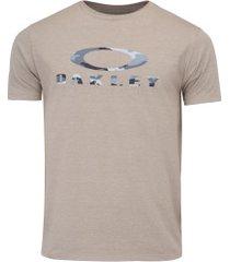 camiseta oakley camo ss tee - masculina - marrom claro