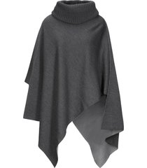 purotatto capes & ponchos