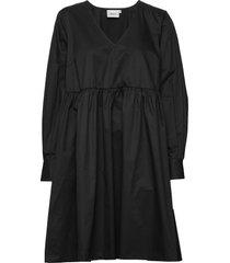stellagz solid dress ms20 jurk knielengte zwart gestuz