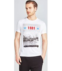 klasyczny t-shirt z printem
