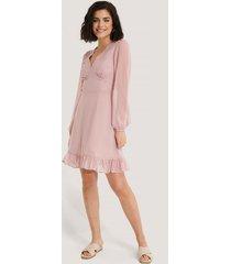 na-kd boho dobby marked waist mini dress - pink