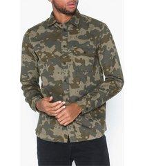 selected homme slhregcamron shirt ls camo w skjortor grön