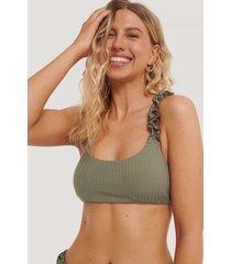 na-kd swimwear bikinitopp med rynkade axelband - green