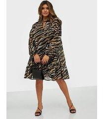 gestuz crisantagz oz dress loose fit dresses