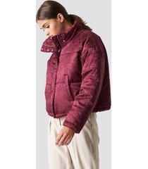 na-kd shiny jacquard puff jacket - red