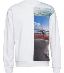 photo vertical image sweat-shirt trui wit calvin klein jeans
